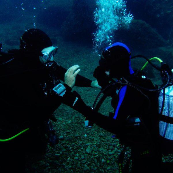 Unterwasserfähigkeiten üben Hippocampus Tauchen Center Istrien