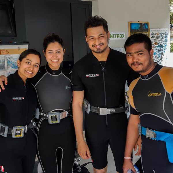 Schnuppertauchen mit Freunden aus Indien Hippocampus Tauchen Center Istrien